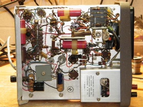 HP VTVM 400H SN 5461 left